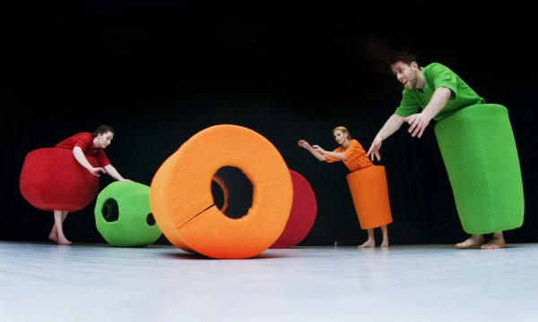 European dance theatre for babies and toddlers